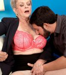 Short haired granny Lin Boyde extracting giant knockers before delivering hand-job and BLOW-JOB