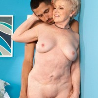 Huge-boobed grandma Jewel having bare bum and honeypot fellated by junior dude