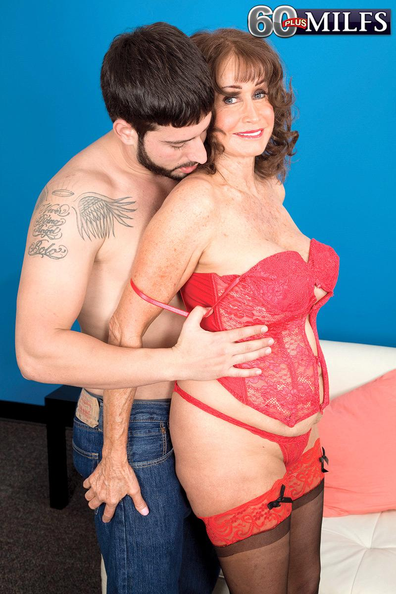 Lingerie clad brown-haired grannie Jacqueline Jolie unveiling massive breasts for nipple licking ...