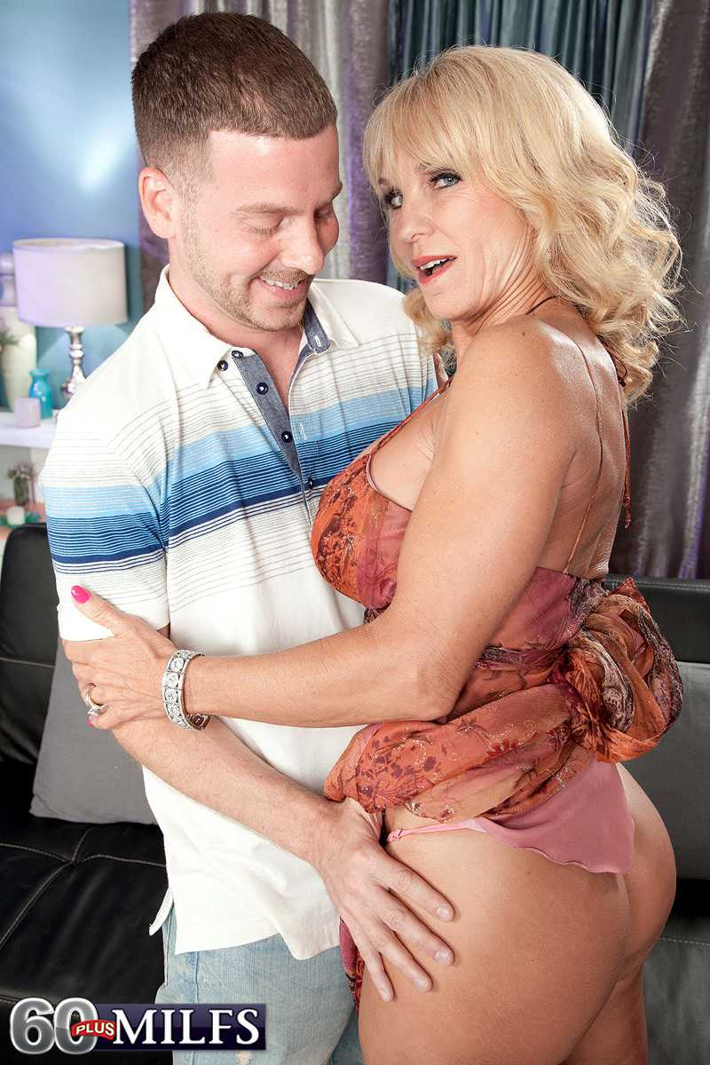 Foxy 60 + Model Cara Reid Gets a Cumshot