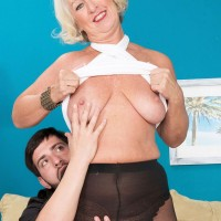 Over 60 cougar Jeannie Lou unveiling pantyhose attired ass thanks to younger man
