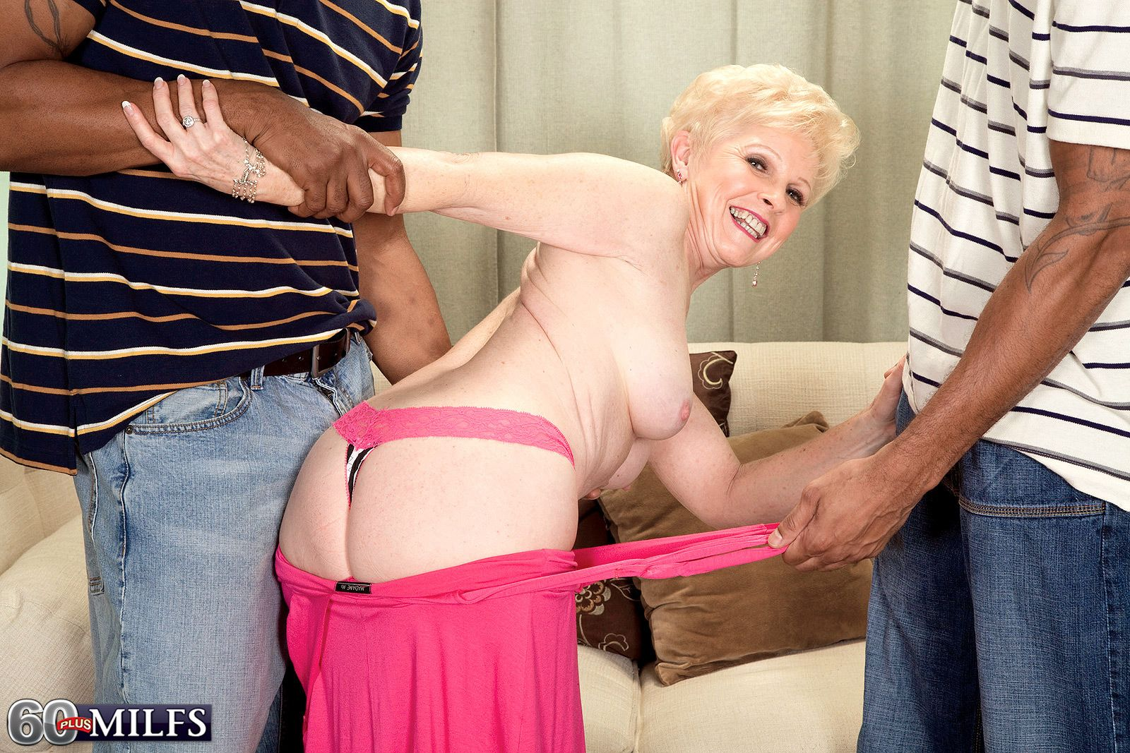 Short haired 60+ MILF Jewel baring tits and ass before interracial MMF 3some