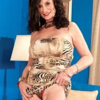 Granny pornstar Rita Daniels likes her big black cock just fine