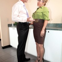 Hosiery clad mature office employee Luna Azul loosing hefty breasts before providing BLOW JOB