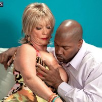 Sandy-haired grandmother Lexi McCain freeing gigantic juggs before providing BBC blow job
